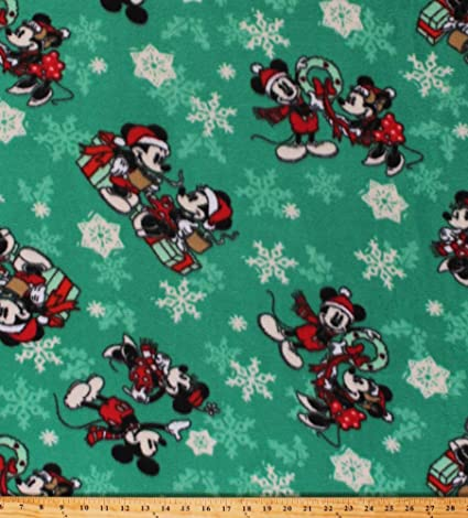 Christmas Scenes Images.Amazon Com Fleece Mickey Mouse And Minnie Mouse Christmas