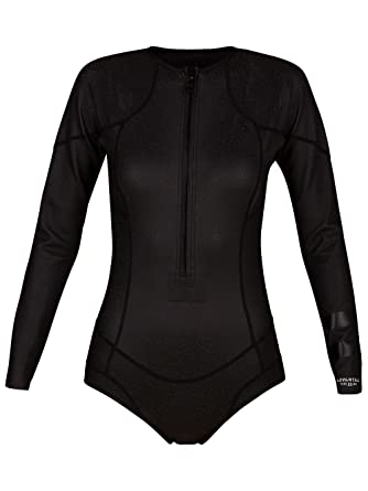 cd31500ab6 Amazon.com  Hurley Women s Advantage Plus Neoprene Spring Suit ...