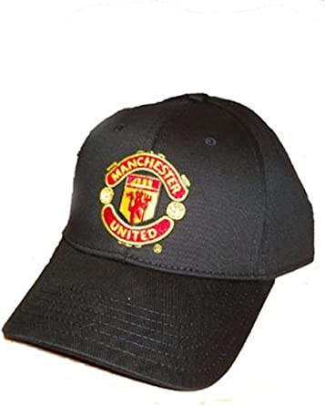 Amazon Com Manchester United Fc Official Crest Baseball Cap Manchester United Hat Clothing