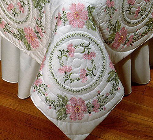 Design Works Crafts Stamped Embroidery Floral Wreath Quilt B