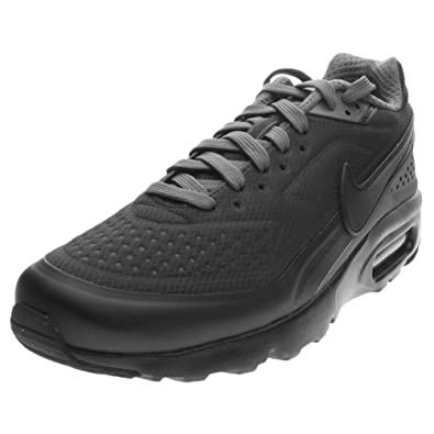 competitive price 705d5 c1c4f Nike Mens Air Max BW Ultra SE Running Shoes (13, Black Dark Grey