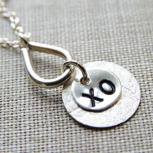 XO Necklace Sterling Silver Stamped Circle Pendant Chain (Circle Tribe Silver Hill)