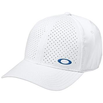 0e2f8896e8f6e Oakley Mens Perforated Flexfit Hat Large X-Large White  Amazon.in ...