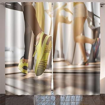Amazon nalahome unrecognizable people running on treadmills