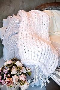 "clootess Chunky Knit Blanket Merino Wool Hand Made Throw Boho Bedroom Home Decor Giant Yarn (White 47""x71"")"