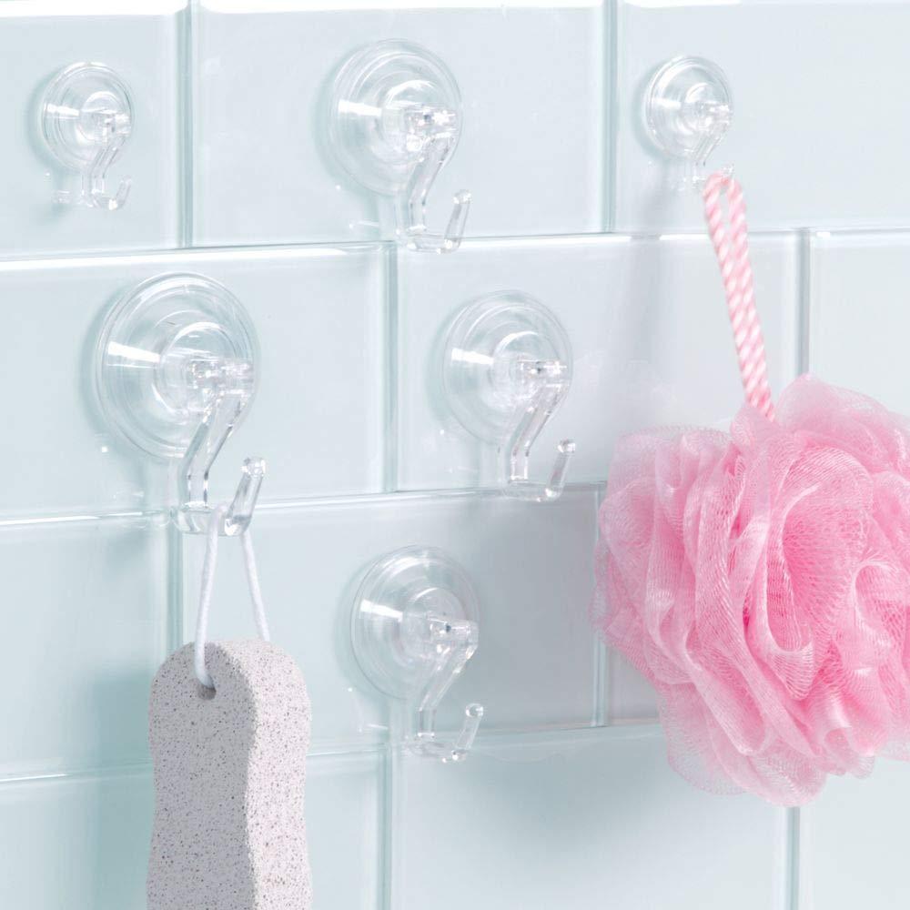 El perfecto accesorio de ba/ño sin taladro albornoz y dem/ás mDesign Ganchos con ventosa set de 6 unidades transparentes Puede hacer las veces de toallero sosteniendo sus toallas