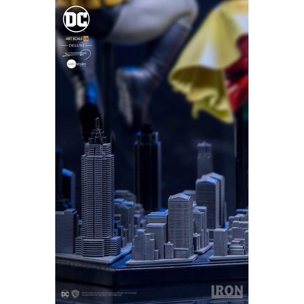 1 Official DC Trading Card Bundle Reg Ver 77310 : ~8.9 The Dark Knight Returns x x Iron Studios 1//10 Deluxe Art Scale Statue Figurine Batman /& Robin