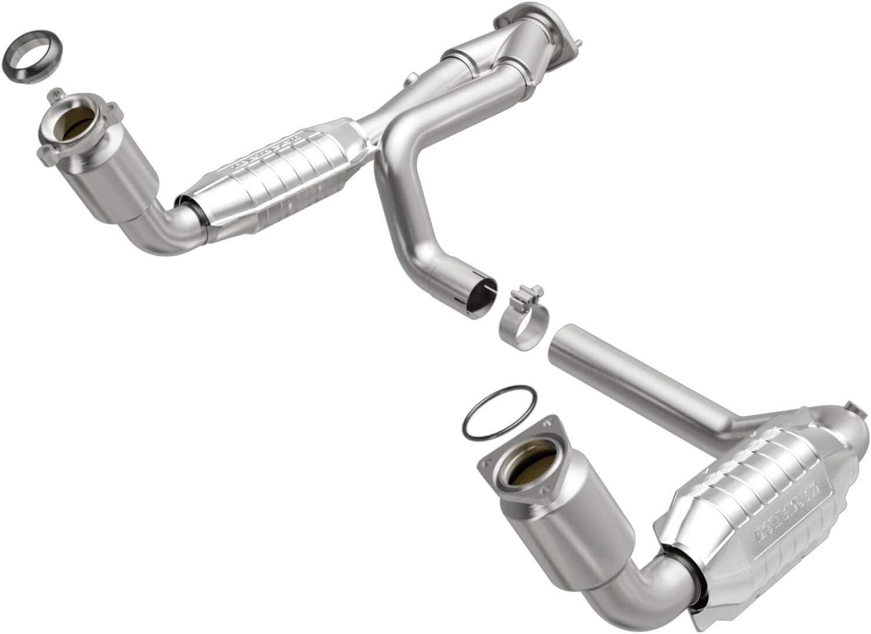 CARB compliant MagnaFlow 452803 Direct Fit Catalytic Converter