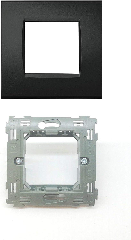 LNT8003 4 Silver LineteckLED Serie Completa di Placche per Interruttori Prese Placca 3 Posti Silver 3M Compatibile living