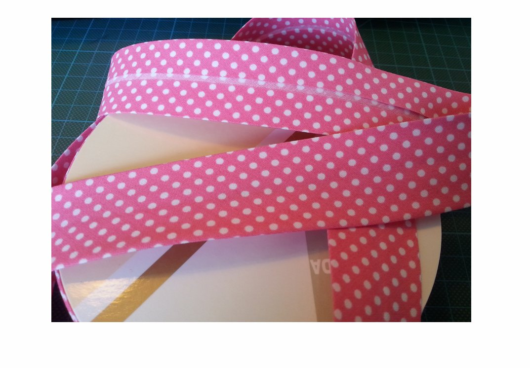 3M Pink Polka Dot Bias Binding Tape 30mm. Useful in many sewing, bunting and craft projects. (Cut from roll) The Little Button Shop
