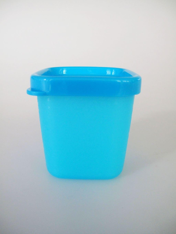2 mint t/ürkis mini Eisw/ürfel TUPPERWARE Gefrier-Beh/älter Eisw/ürfler mit Deckel