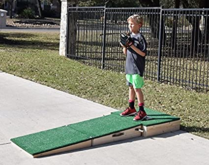Amazon Com Portable Pitching Mound 6 Inch For Ages 12 And Under