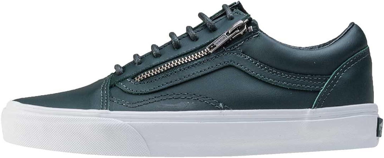 f837a3185c Vans Women s Old Skool Zip Ankle-High Skateboarding Shoe - Amazon Mỹ ...