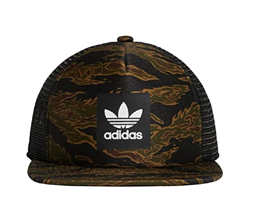 e98cac21e6e28 Amazon.com  adidas Men Originals Camouflage Trucker Cap Multicolor DH2585  OSFM  Sports   Outdoors