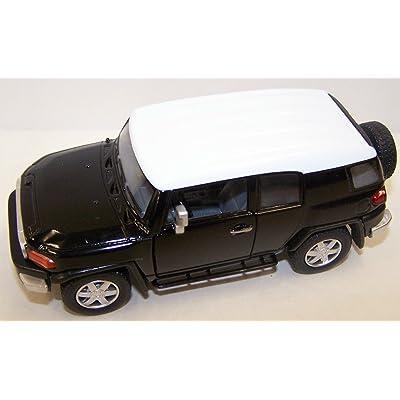 Kinsmart 1/36 Scale Diecast Toyota Fj Cruiser in Color Black: Toys & Games