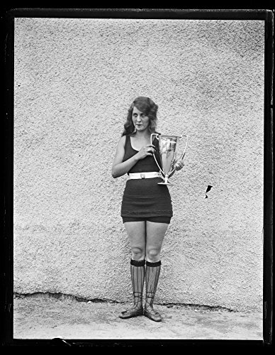 1922 Photo Woman in bathing suit with trophy cup
