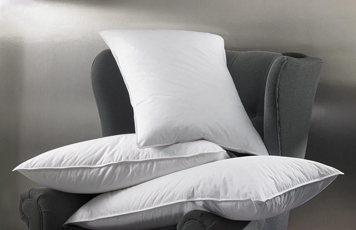 W Hotels Standard Feather and Down Pillow by W Hotels & Resorts (Image #2)
