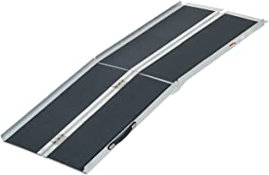 HOMCOM Lightweight Aluminum Portable Skidproof PVC Carpeted Folding Wheelchair Ramp, 6'