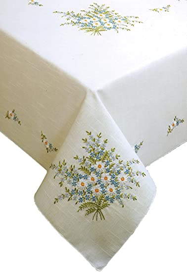 """Tobin Stamped Cross Stitch Embroidery Tablecloth ROSES AND LACE 50/"""" x 70/"""""""