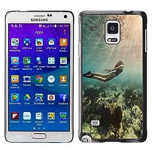Be Good Phone Accessory // Dura Cáscara cubierta Protectora Caso Carcasa Funda de Protección para Samsung Galaxy Note 4 SM-N910 // Diving Ocean Woman Beautiful Light Sea