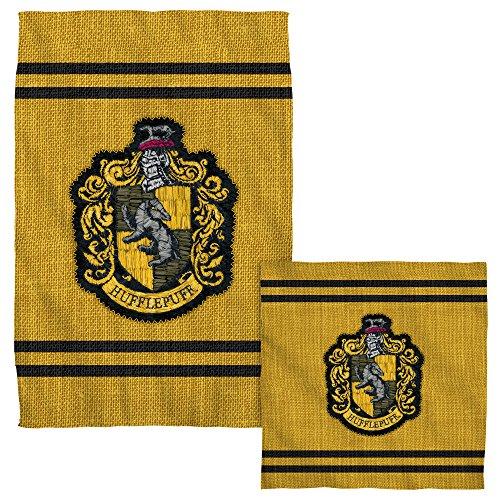 Hufflepuff Stitch Crest -- Harry Potter -- Face & Hand Towel Set by Harry Potter
