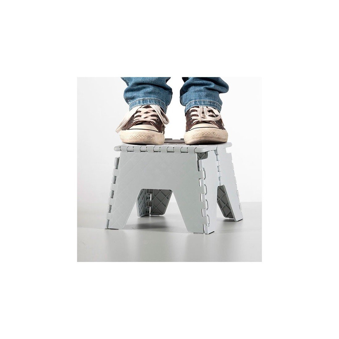NO DEFINIDO Not Defined – Folding Stool Folding stool .