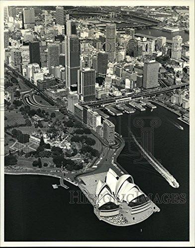 1977 Press Photo Down town Sydney, New South Wales, Australia. - - Australia Town Harbour South
