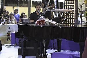 Lionel Richie on stage Photo Print (10 x 8)