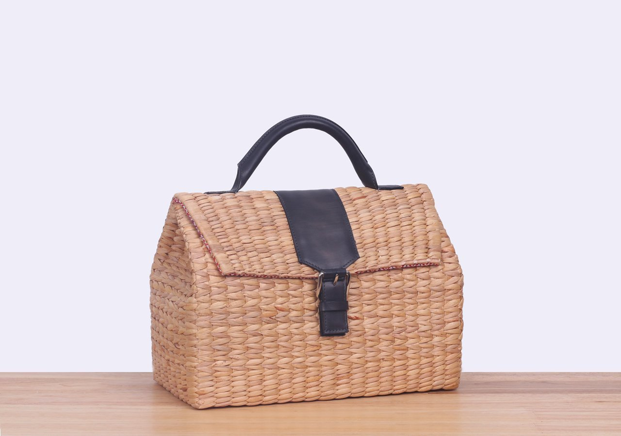 d7fa392f97d9 Amazon.com  VT THAI for MM Handmade Vipha Wicker Bag (Grey)  Handmade