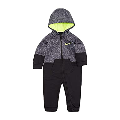 e49564a8b039 Amazon.com  NIKE Baby Boys 1-Pc. Hooded Therma-Fit Coverall  Clothing