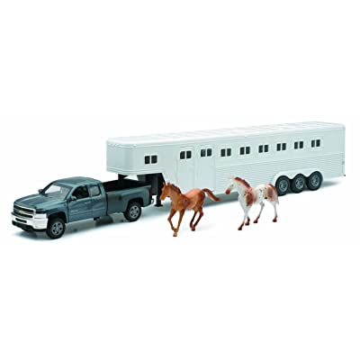 Chevrolet Silverado Fifth Wheel with Horse - Diecast Truck : 1:32 by NewRay: Toys & Games