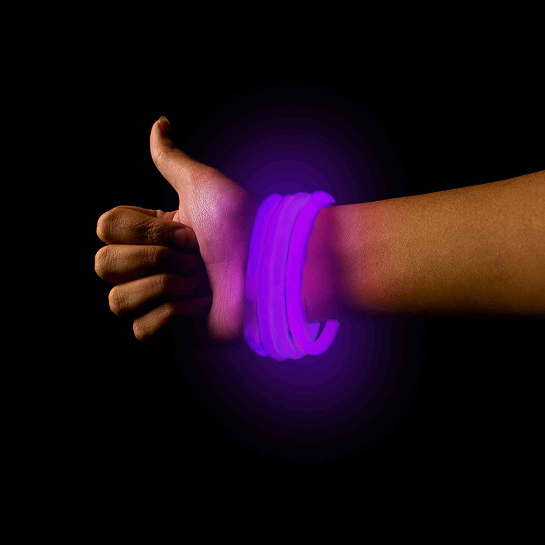 Glow Bracelets Light-Up Glowsticks Bracelets Fun Central P75 Glow in The Dark Bracelets 50ct Glowing Bracelets for Rave Concerts Night Parties 8 Inch White Glow Bracelets