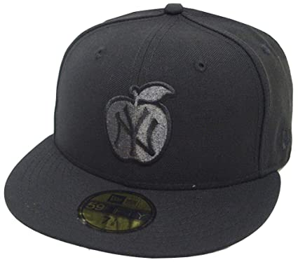 5c73af563a Amazon.com  New Era New York Yankees Apple Black Cap 59fifty 5950 Fitted  Limited Edition  Clothing