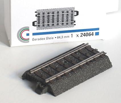 Märklin H0 24077  ein gerades C-Gleis 77 mm