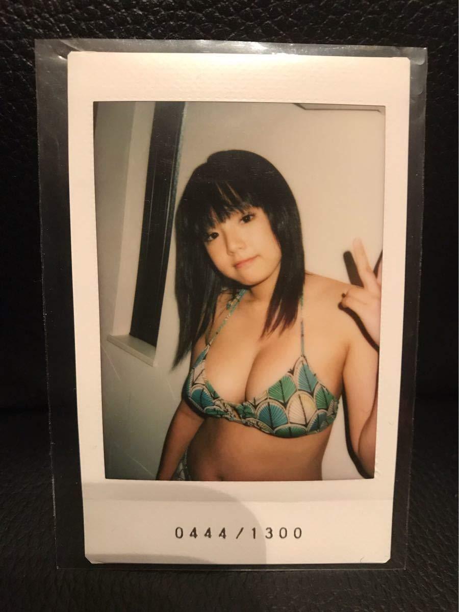 篠崎愛 チェキ トレカ Happiness シリアルナンバー入り 水着 グラビアアイドル   B07Q8QLN85