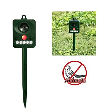Nacome Outdoor Animal Cat Dog Powered Repellent Fox Animal Solar Repeller With PIR Sensor & Light