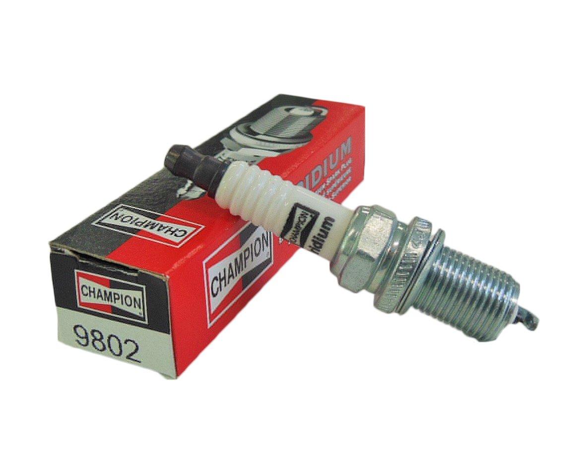 Amazon.com: Champion RC8WYPB4 (9802) Iridium Spark Plug, Pack of 1:  Automotive