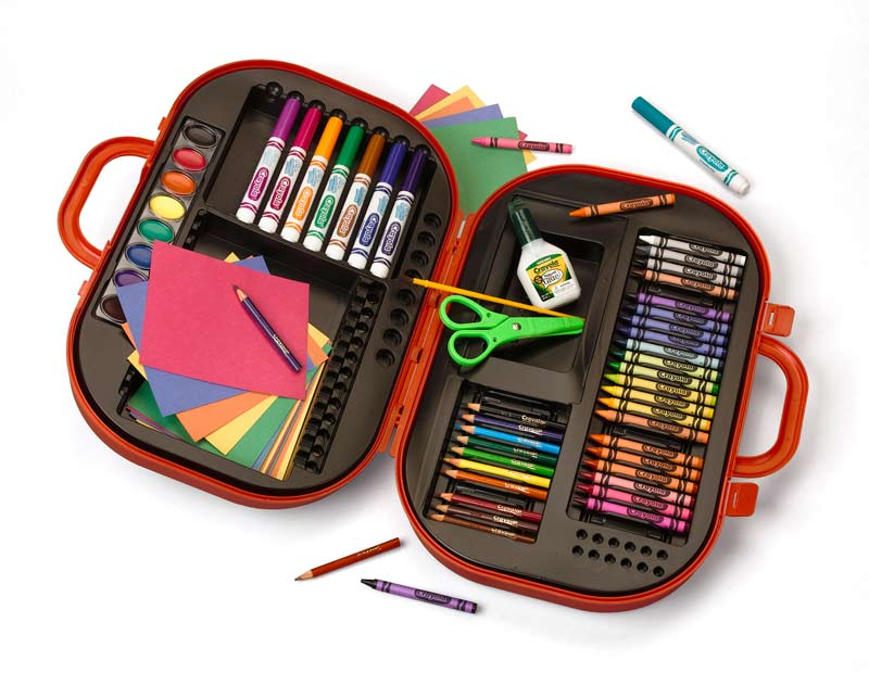 The kit's sturdy, compact carrying case holds markers, colored pencils