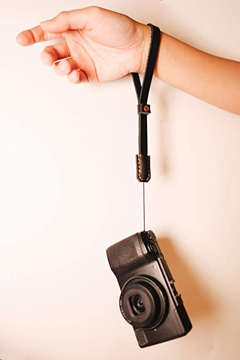 Dorr Urban Black Leather Camera Wrist Strap
