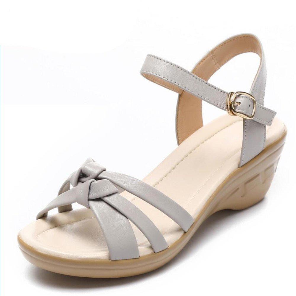 Mutter Sandalen weiblichen Middle-Aged Hang mit den Damen Schuhe