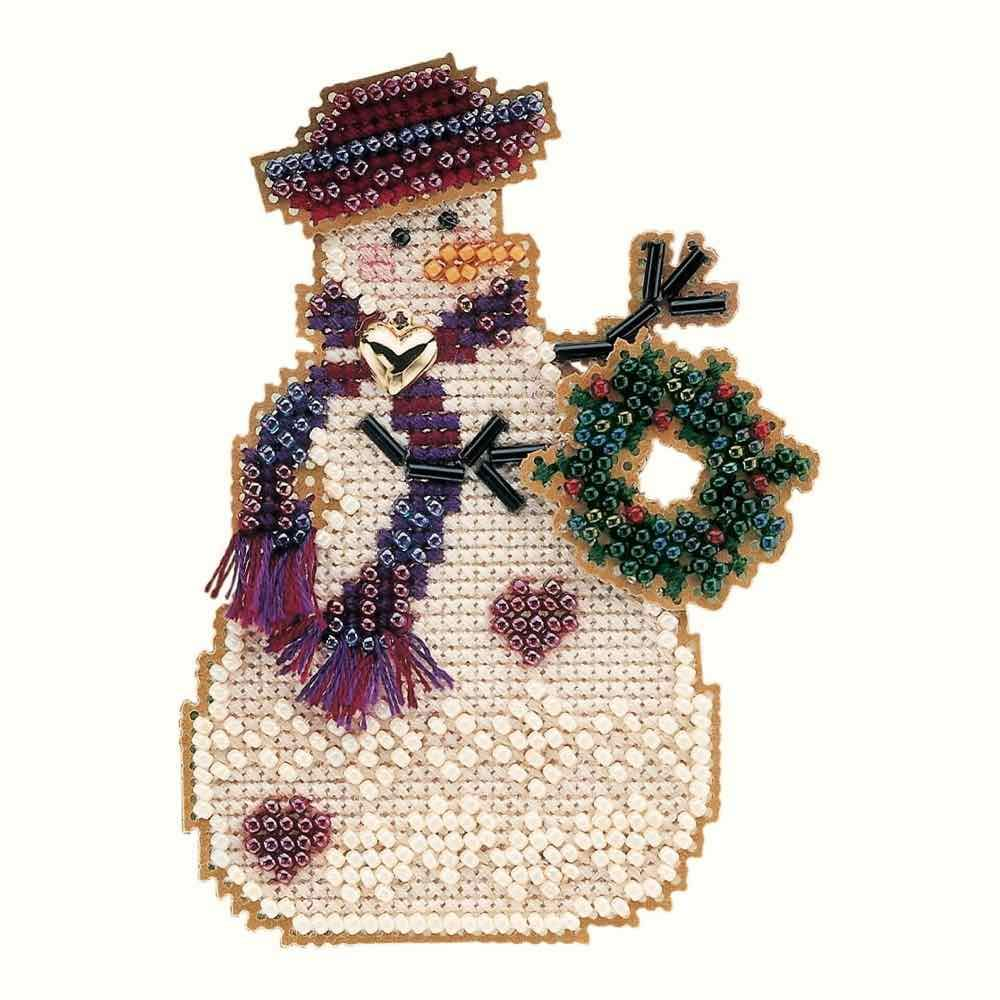 Wreath Snow Charmer Beaded Counted Cross Stitch Christmas Ornament Snowman Kit Mill Hill 2001 Snow Charmers MHSC26 by Mill Hill B0036ZYTS0