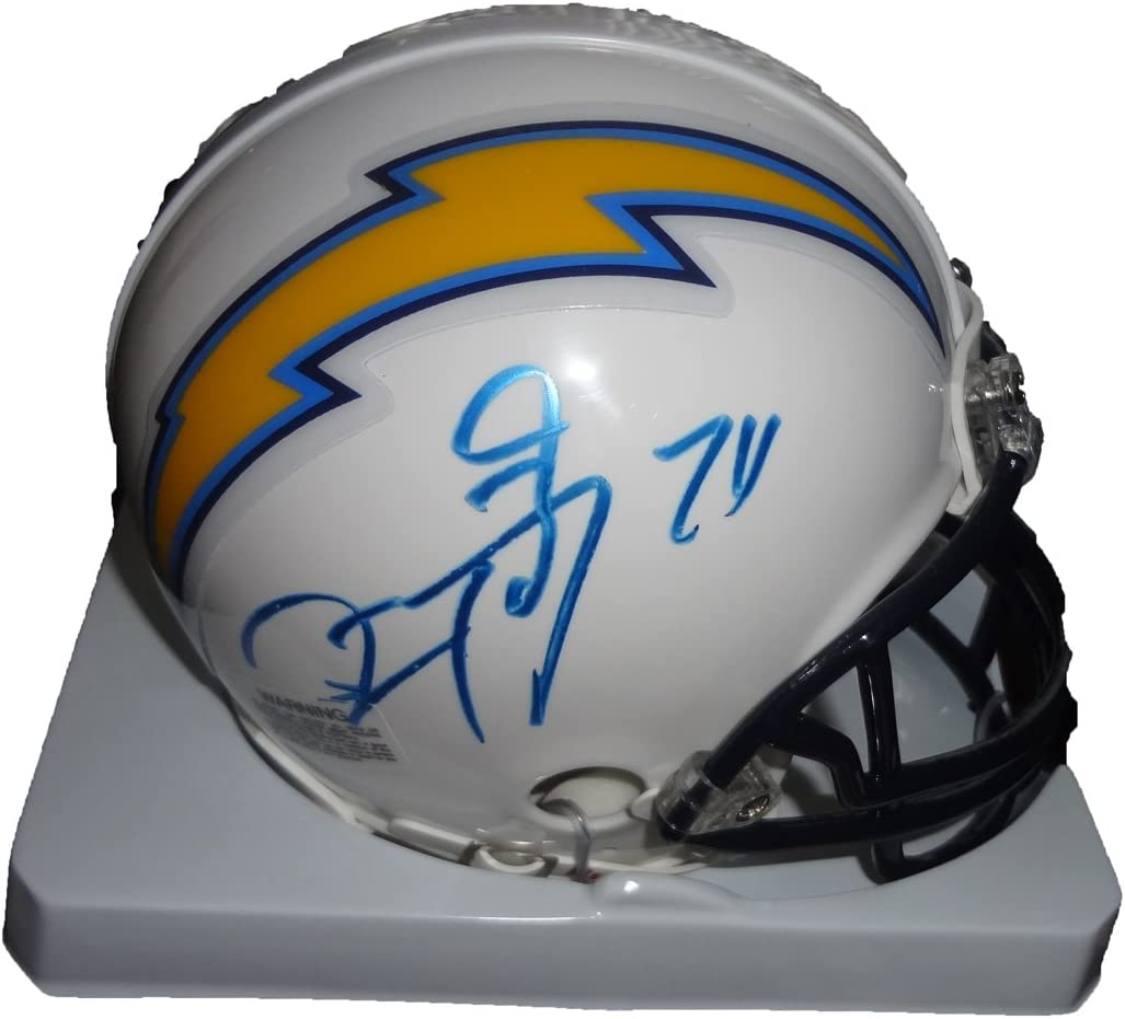 B00926TRHK Ryan Matthews Autographed San Diego Chargers Mini Helmet W/PROOF, Picture of Ryan Signing For Us, San Diego Chargers, Fresno State Bulldogs, Pro Bowl 61kQ2eyuFeL.SL1067_