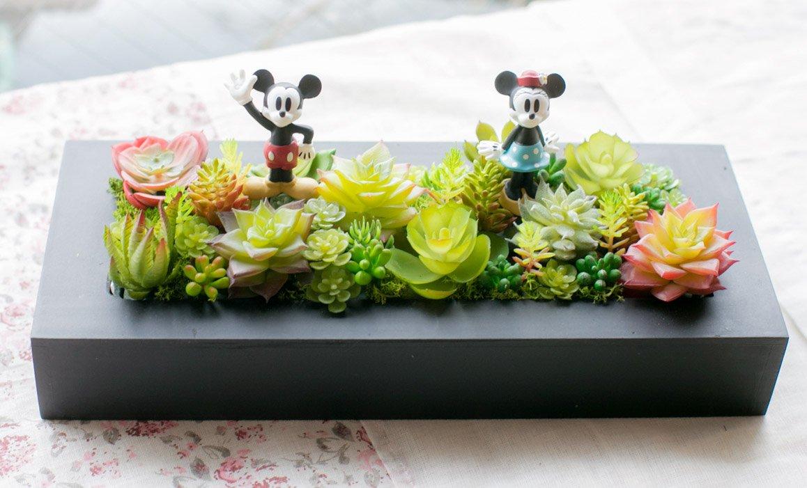 多肉植物 寄せ植え ギフト ミッキー&ミニー 多肉フェイクグリーンBOX (Mサイズ) B079GB1R5Y Mサイズ  Mサイズ