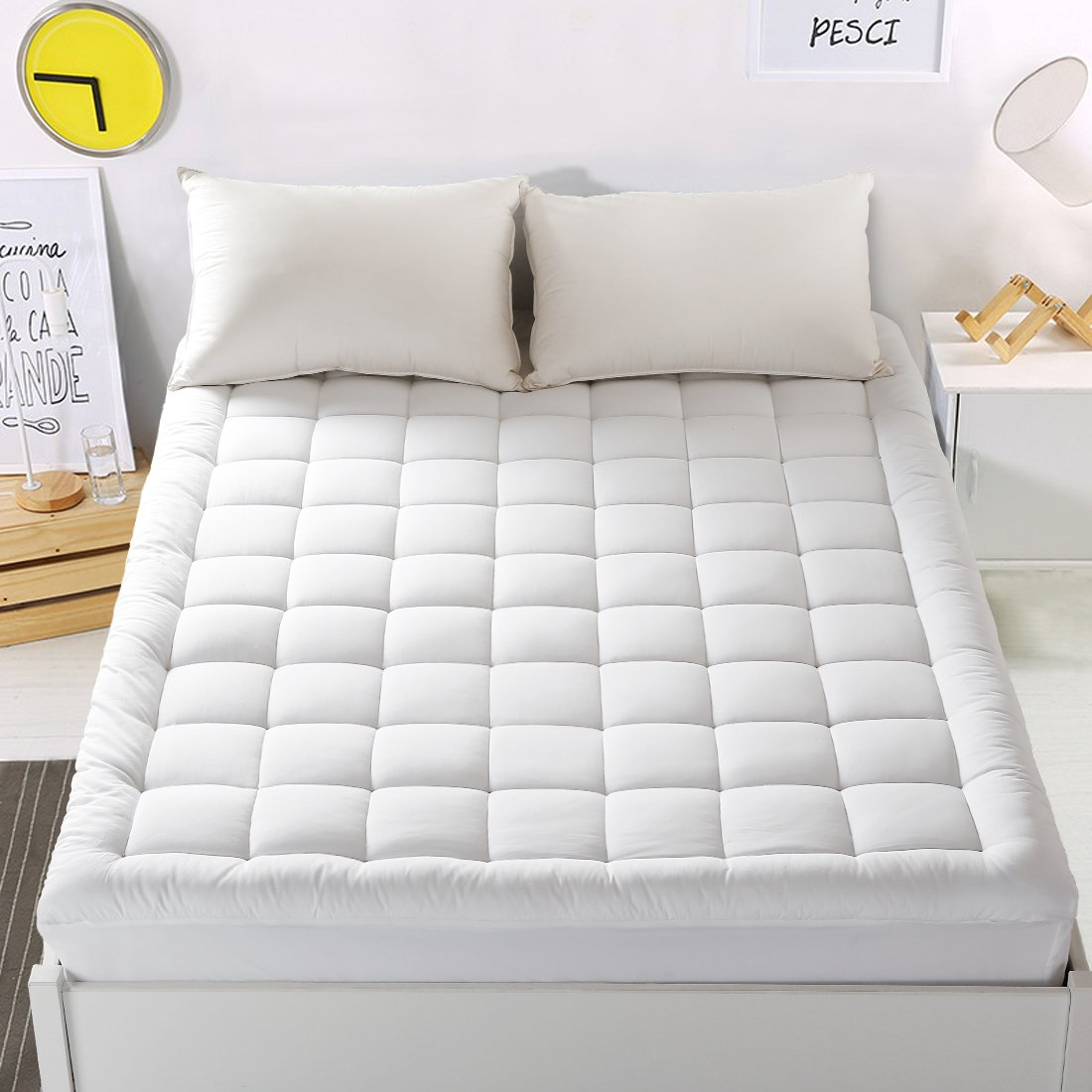 "Mattress Pad Cover King Size Mattress Topper with 18"" Deep Pocket Pillowtop Overfilled 100% 300TC Cotton White Bed Topper"