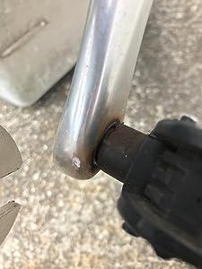 錆で固着したペダルも簡単に外れる