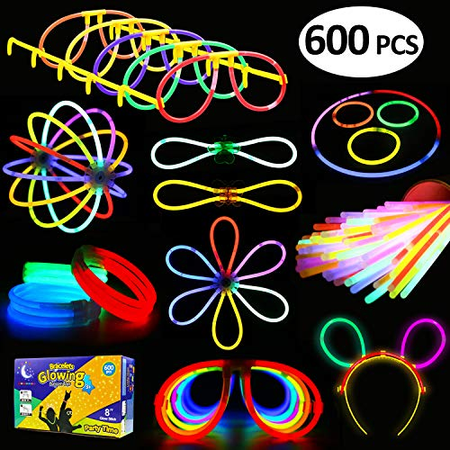 Glowstick, (600 Pcs Total) 250 Glow Sticks Bulk 7 Colour and Connectors for Bracelets Necklaces Balls Eyeglasses and More, Funcorn Toys Light up in The Dark Stick for Kid Party -