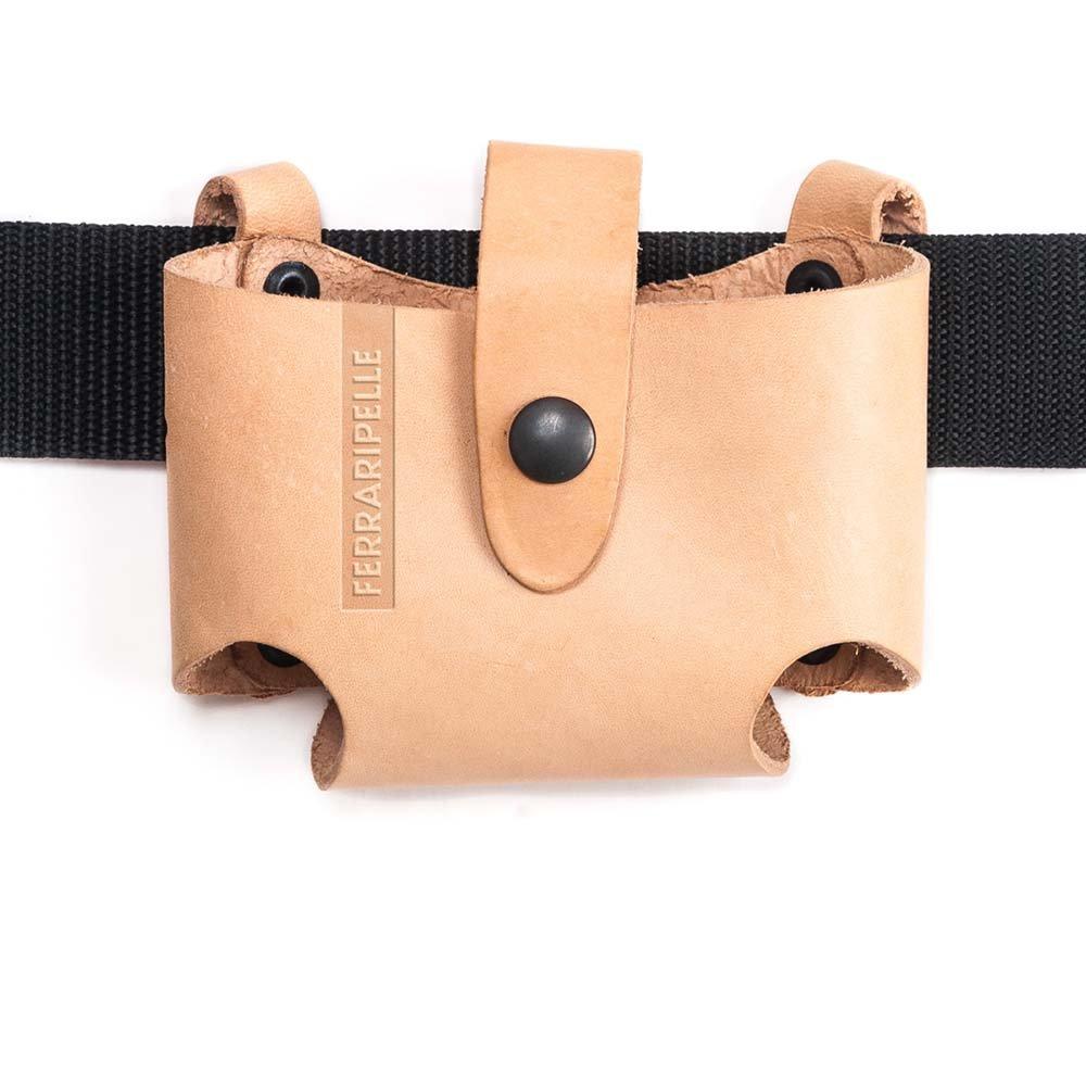 Puerto Metro Roller Cintur/ón incluido remaches Azulado en piel color Negro