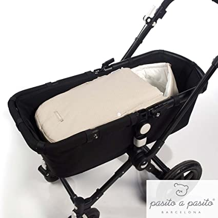 Pasito a Pasito - Saco Laforet en topito beige ideal para cubrir el cuco o portabebé y que tu bebé esté calentito