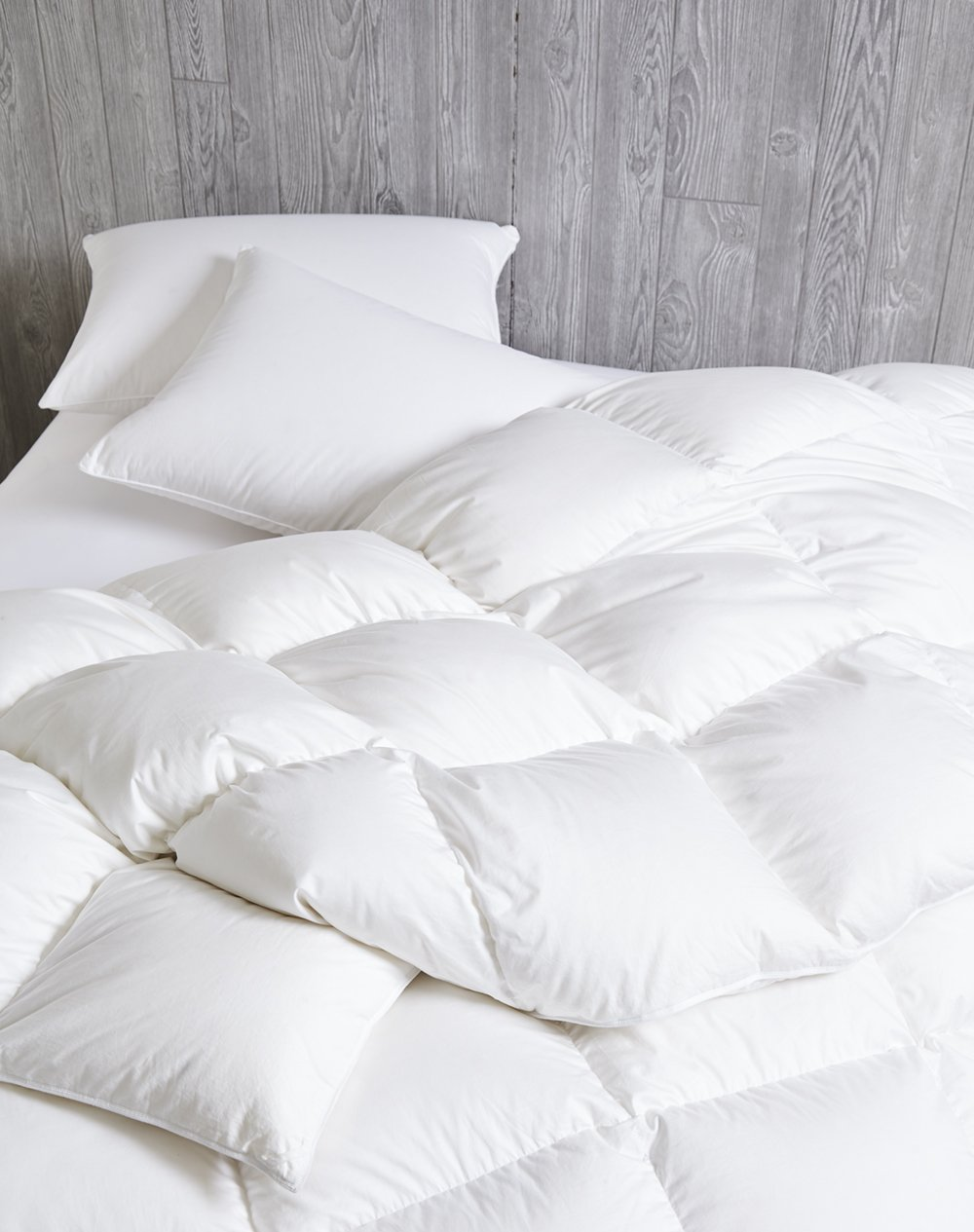Dreamstead by Cuddledown Luxurious 700FP Goose Down Warm Hypoallergenic Duvet Comforter, King, White