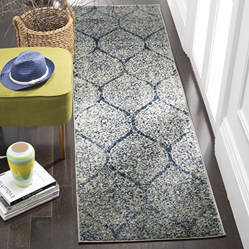 Safavieh Madison Collection MAD604G Navy and Silver Distressed Ogee Runner (2'3 x 12')